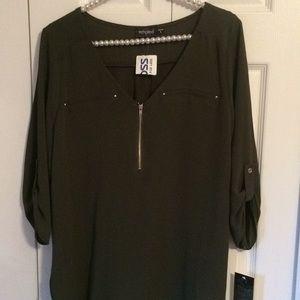 Women's Blouse w/ 3/4 Tab Sleeve